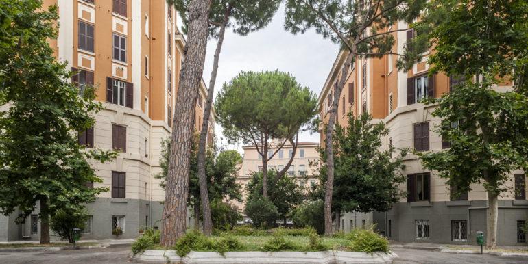 roma_vendita_trilocale_rialzato_san_giovanni_ottimo_grande_luminoso_ampio_via_taranto2
