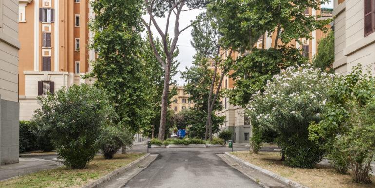 roma_vendita_trilocale_rialzato_san_giovanni_ottimo_grande_luminoso_ampio_via_taranto4