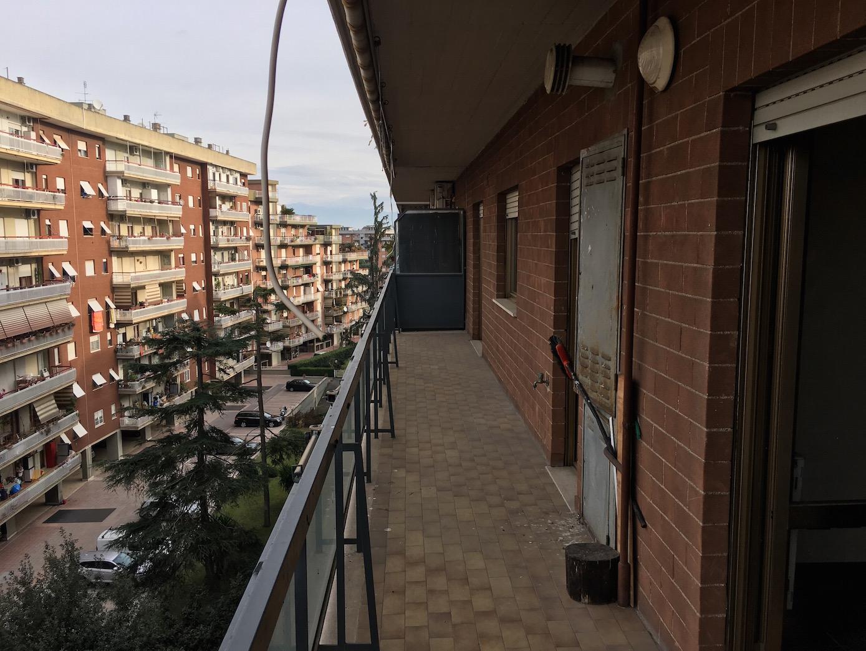 Appartamento - Tor tre teste - Via F. Tovaglieri •